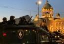 Protesti u Srbiji: Opet sukobi demonstranata i policije u Beogradu, suzavac i kamenice i u Novom Sadu i Kragujevcu